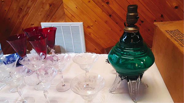 Antiques and Auction News Article: The Old Morgantown Glass Collectors' Guild Holds Annual Convention