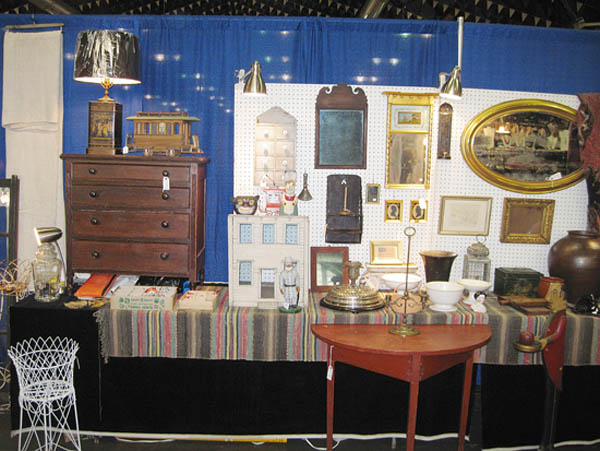 Antiques and Auction News Article: Holiday Antiques Shopping In Syracuse Planned For Thanksgiving Weekend